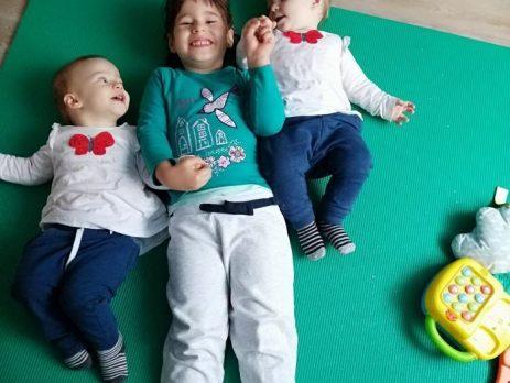 Drugi mesec malčkov dnevnik Izberi modro družina