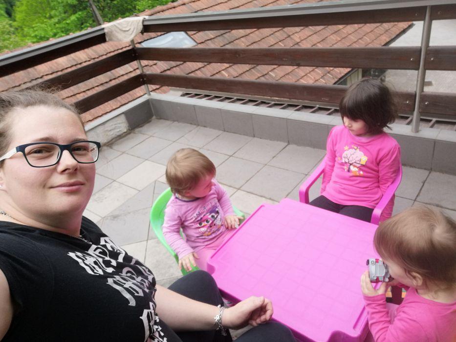 Osmi mesec - Malčkov dnevnik - Izberi modro družina